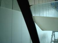 「カーフィルム施工-リアドアガラス(セダン)05」 窓枠の洗浄
