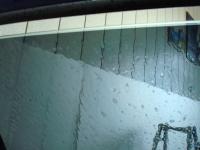 「カーフィルム施工-リアドアガラス(セダン)06」 フィルムの貼り付け