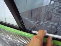 「カーフィルム施工-リアドアガラス(セダン)08」 フィルム下部の入れ方