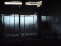 カーフィルム剥し-セダンリアガラス02」 内側から見た画像